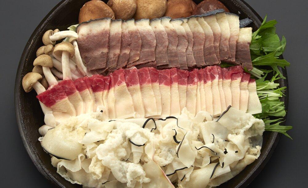 長崎和牛もしくはクジラ塩麹鍋